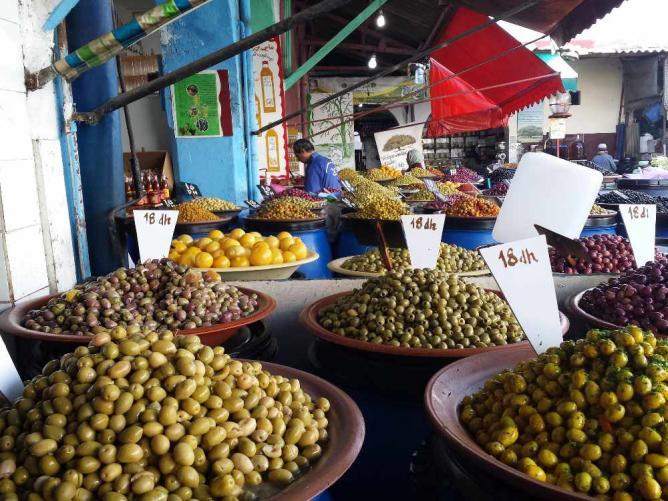 Olive souk | © hewy/Flickr