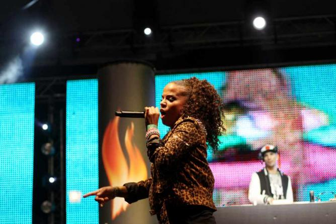 Ms. Dynamite performing in 2012 | © Gergely Csatari/Flickr