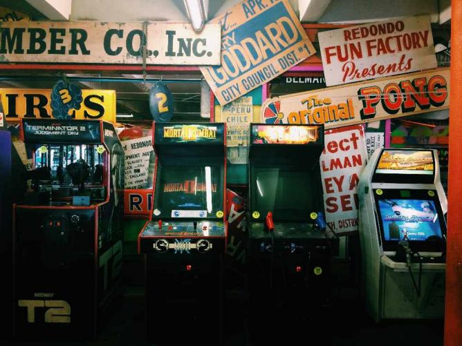 Old-school arcade games at Redondo Fun Factory | © Michelle Pagaran