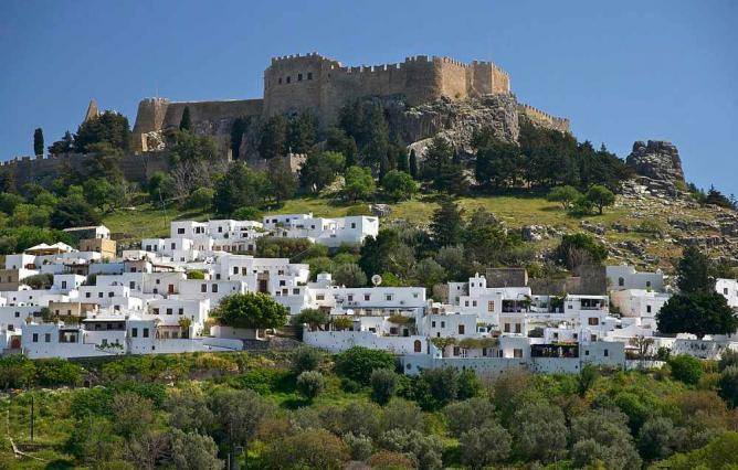 View of Lindos and the Acropolis | © Jebulon/WikiCommons