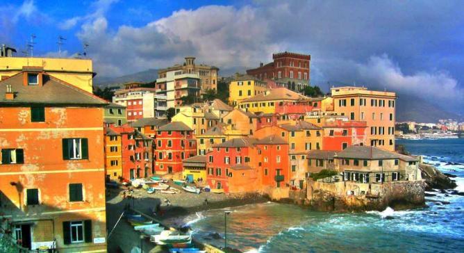 Genoa's old fishermen's neighborhood | © Xavi/Flickr