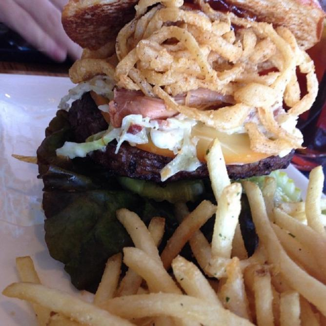 Pulled Pork BBQ Burg with Coleslaw at the Cowfish l spikenheimer/Flickr