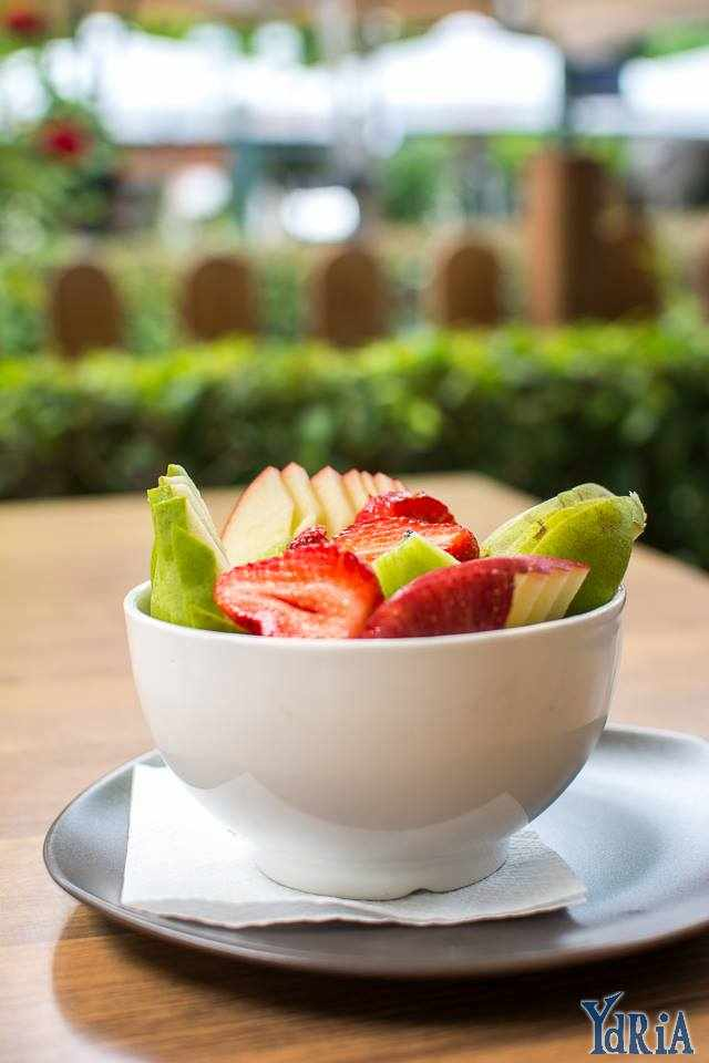 Nothing better than a fresh fruit salad in the beggining of a hot summer day | Courtesy of Ydria