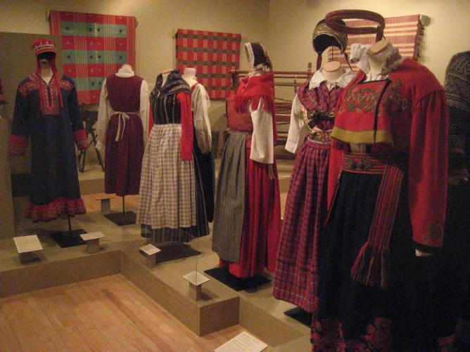 Textiles and Nordic clothing at Nordic Heritage Museum