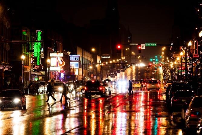 Music City by night | © Thomas Hawk/Flickr