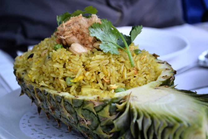 Pineapple Fried Rice | © Kawaiikiri/Flickr