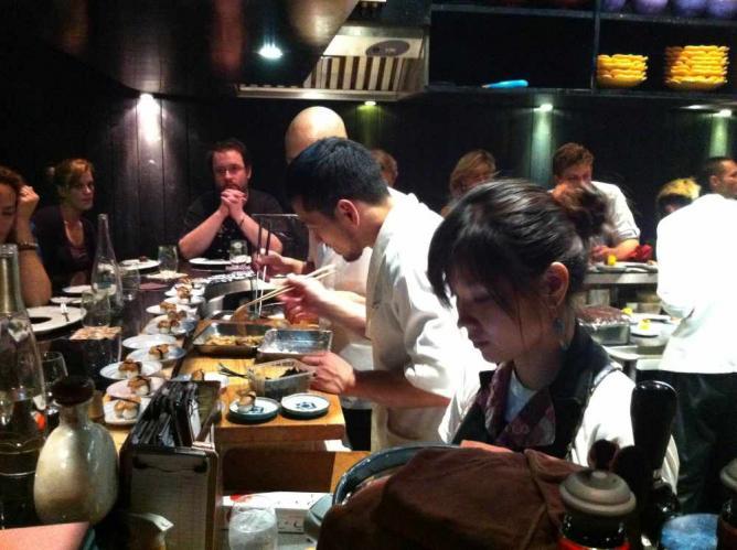 10 must try restaurants near porte de clignancourt paris - Restaurant africain porte de clignancourt ...