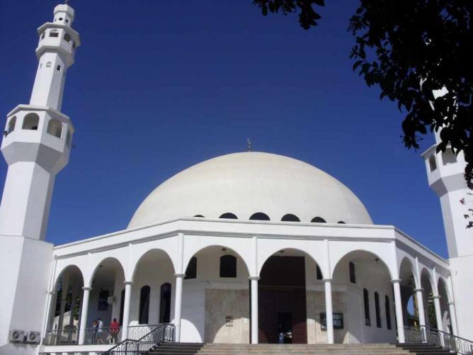 Omar Ibn Al-Khattab Mosque © Massimiliano W/WikiCommons