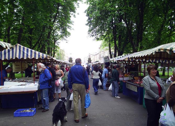 Queen's Park Farmers Market | © Tom Brogan/Flickr