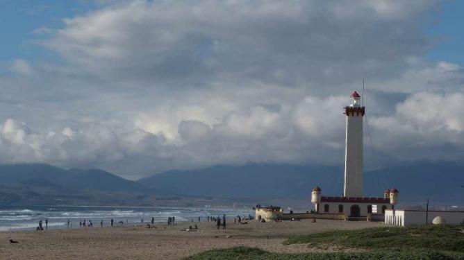 Lighthouse in La Serena Ⓒ Mariano Mantel/Flickr