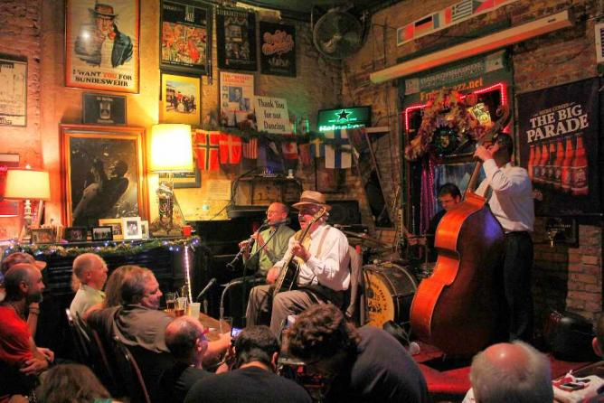Fritz's European Jazz Pub | © nataliemarchant/Flickr