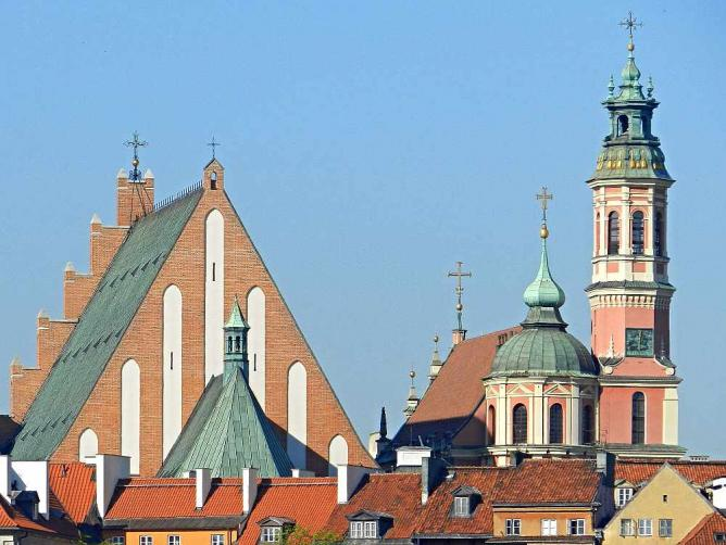 Warsaw's old town's skyline with the Archicatedral Basilica on the left | © Bartosz MORĄG/Flickr