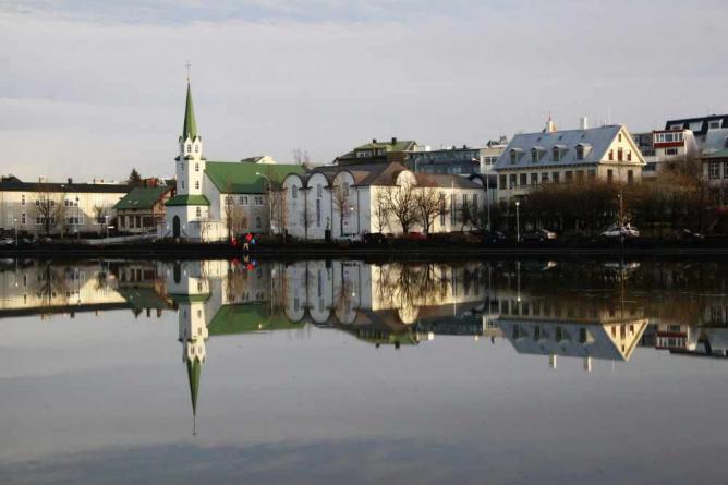 Reykjavik's Pond | ©TomOlliver/Flickr