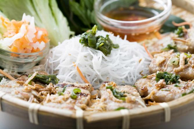 Chargrilled pork ball with honey and spices | © Mien Tay