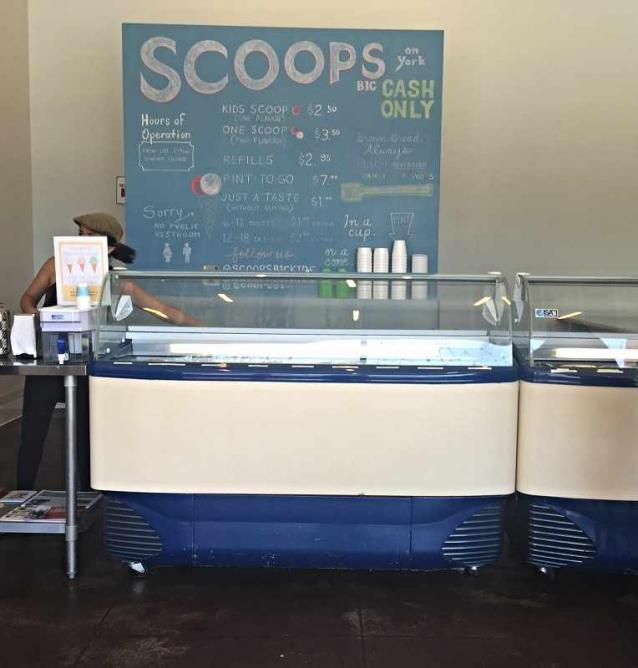 Scoops Ice Cream | © Alex Ceja
