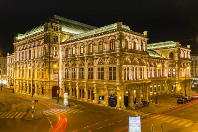 Staatsoper exterior | © Christian Siedler / Flickr