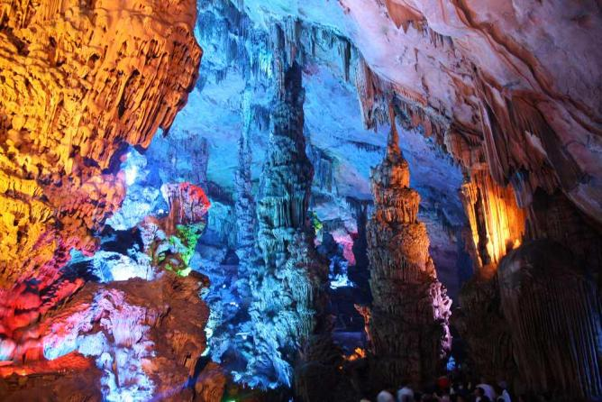 Reed Flute Cave in Guangxi ©Bernt Rostad/Flickr
