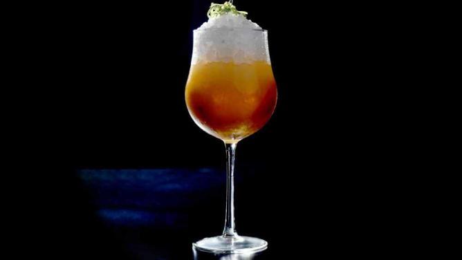 Image courtesy of Cinco Lounge