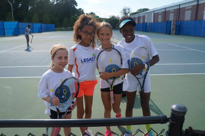 """Children from the ITC and Legacy Youth Tennis and Education in Philadelphia, as part of the ITC's """"Children to Children Tennis Diplomacy Exchange"""" program   © Courtesy Israel Tennis Centers"""