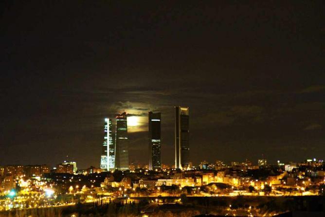 Madrid at night | © Archivaldo/WikiCommons
