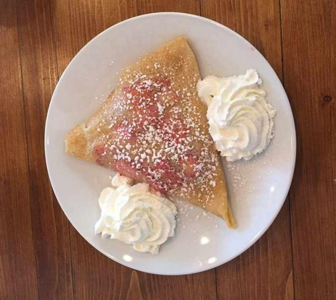 Strawberry and Cream Crêpe at Crepeaffaire © Shambhavi Pai