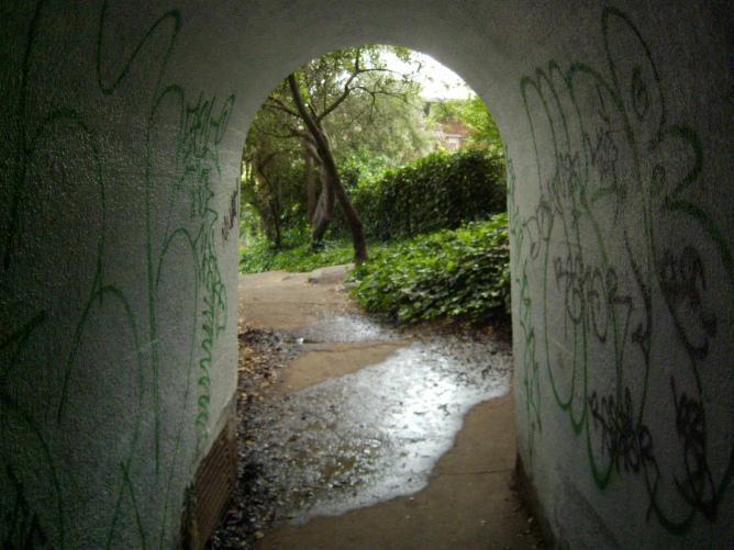 Tunnel at Cordornices | © Aurelia J. Schultz/Flickr