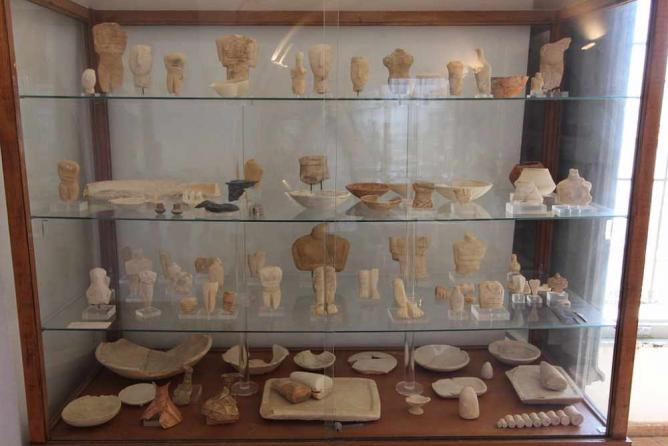 Cycladic collection, Archaeological Μuseum of Naxos   © Tilemahos Efthimiadis/WikiCommons