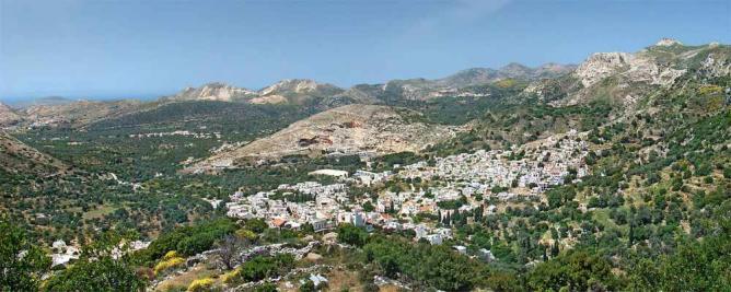 Panoramic view of Filoti, Naxos   © Tango7174 / WikiCommons