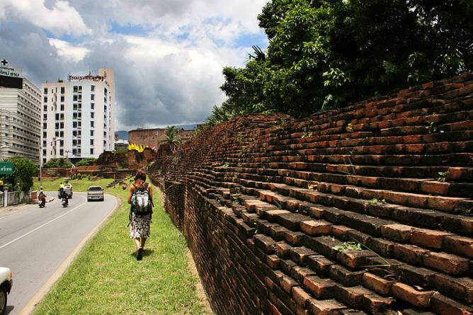 Old City Walls Chiang Mai Xa9 Martin Manuel Beaulne Wikicommons