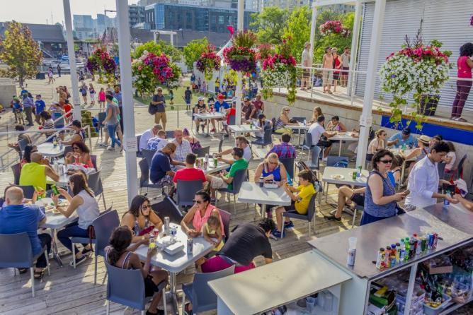 Try international foods by World Café | © Harbourfront Centre/Brian Medina