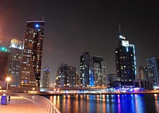 Dubai Marina at night | © Rob/Flickr