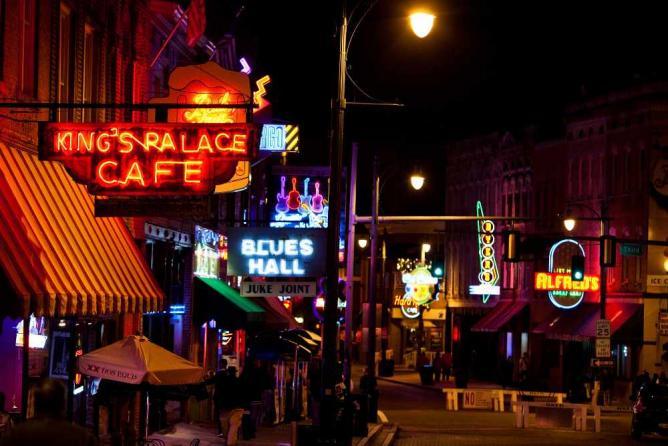 Beale Street, Memphis   © Thomas Hawk/Flickr