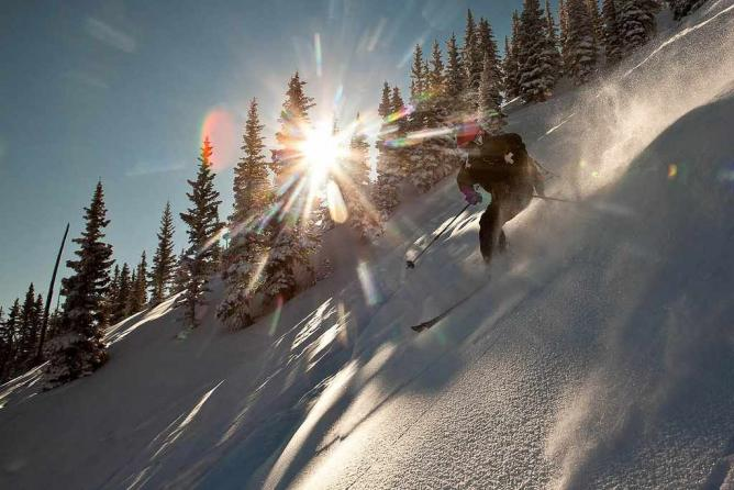 Skiing on Aspen Snowmass |©Aspen Snowmass/Flickr