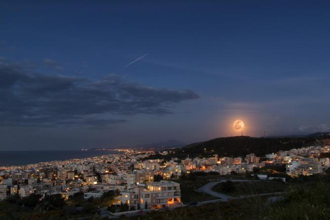 Rethymno, Crete by night | © Theophilos Papadopoulos/Flickr