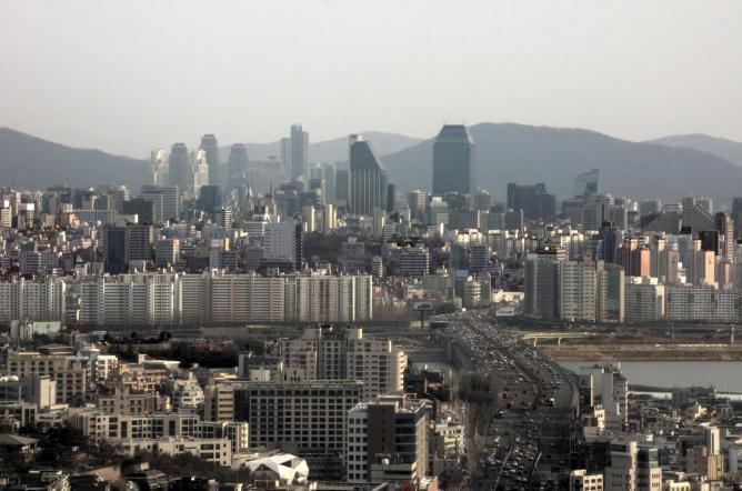 Seoul city skyline   © mariusz kluzniak/Flickr