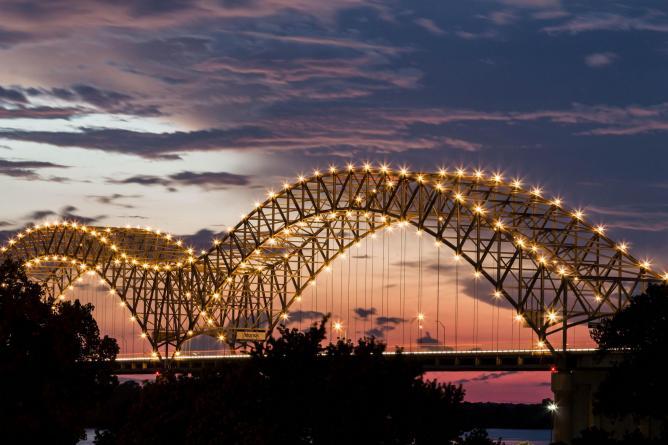 Memphis by night   © Jeremy Sorrells/Flickr