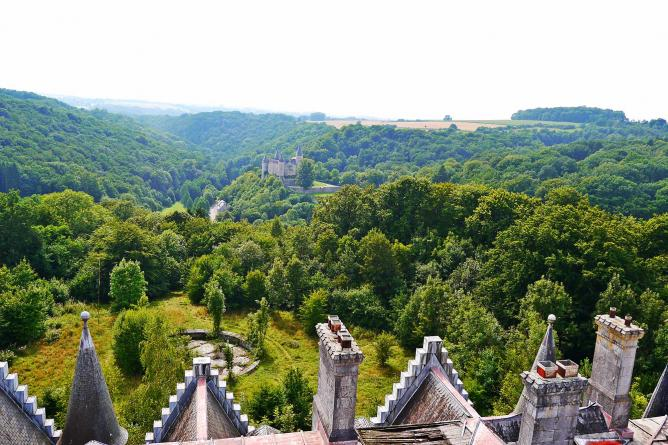 View from rooftop to Vêves Castle | © Sara Gonçalves Fernandes