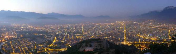 Grenoble de nuit   © Matthieu Riegler/WikiCommons
