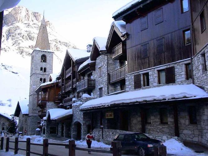 Val d'Isère street