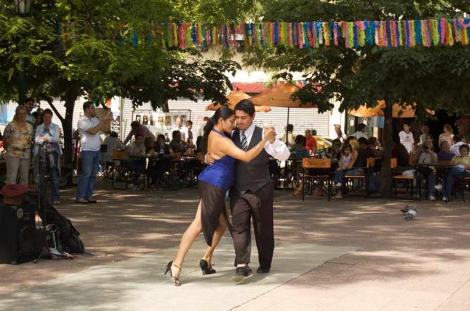 Plaza Dorrego, San Telmo | Ⓒ Beatrice Murch/Flickr