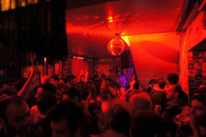 Disco party at La Doze | Courtesy of La Doze