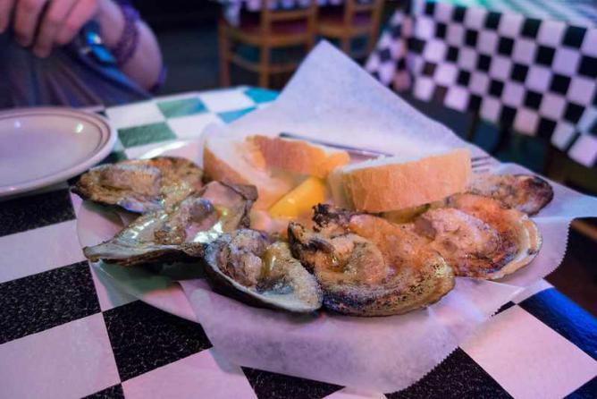 Acme Oysters | © Robert Young/Flickr