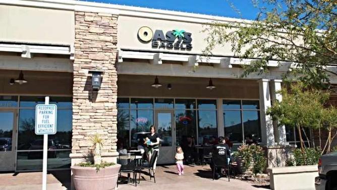 Restaurant Exterior | Courtesy of Oasis Bagels