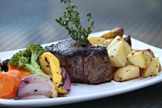 Steak Filet | Courtesy of College Street Brewhouse & Pub