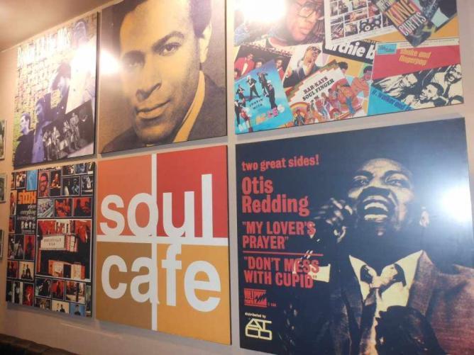 Décor   Courtesy of Soul Café and Bar
