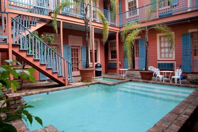 The Frenchmen Hotel Courtyard | Courtesy Frenchmen Hotel