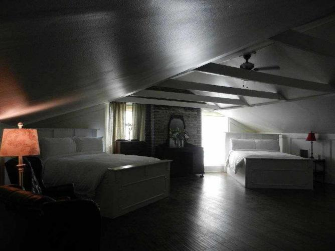 Room Forty | Courtesy Lafitte Guest House