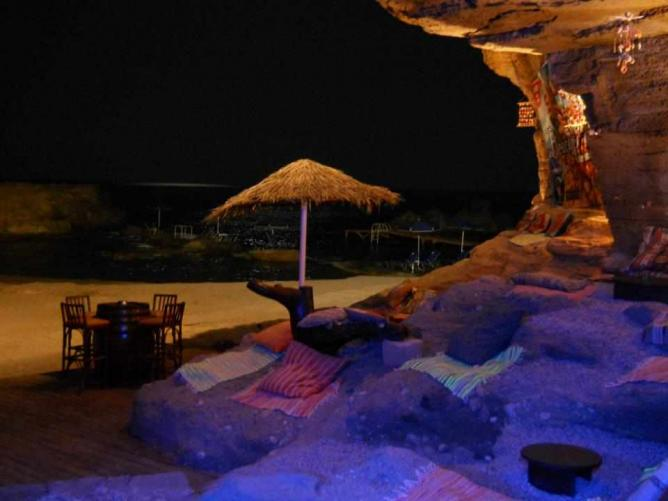 Relaxing setting of Oasis Beach Bar   Courtesy of Oasis Beach Bar