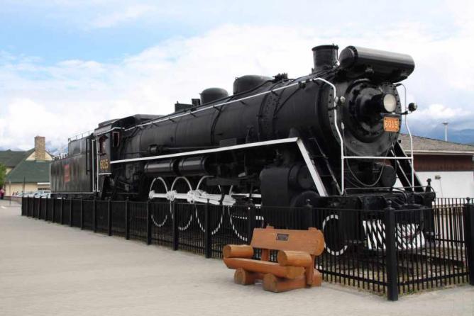 Lokomotive Bahnhof Jasper | © Christine Wagner/Flickr