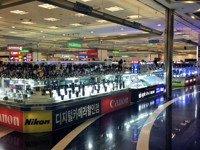 Yongsan Electronics Market. Author's own image.